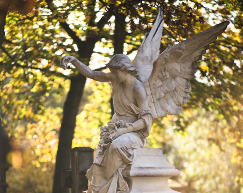 Grabstein mit ein Engel